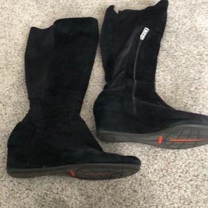 Rockport suede boots with elastic & side zip